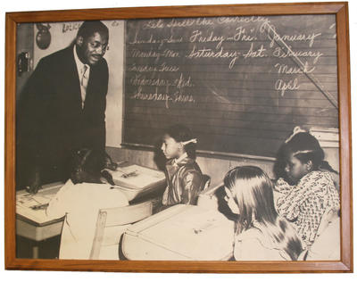 Dr. Foster visits a classroom in Oakland (circa 1972). (PHOTO COURTESY OF MFEI)